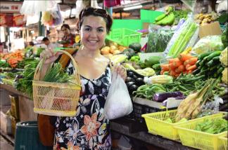 Ximena Olds - Chef Mena - Thai Food 2559-05-09 at 01.06.49