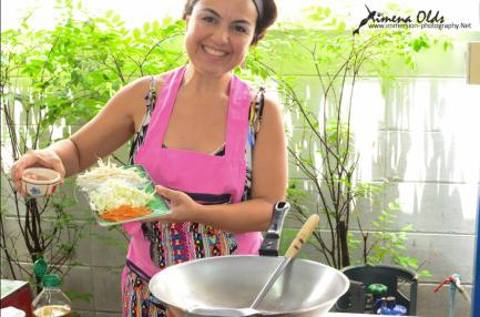 Ximena Olds - Chef Mena - Thai Food 2559-05-09 at 01.07.42