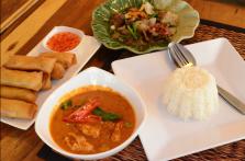 Ximena Olds - Chef Mena - Thai Food 2559-05-09 at 01.09.20