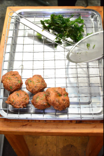 Ximena Olds - Chef Mena - Thai Food 2559-05-09 at 01.11.00