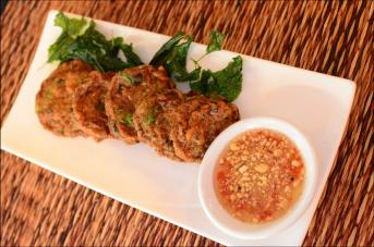 Ximena Olds - Chef Mena - Thai Food 2559-05-09 at 01.12.07