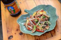 Ximena Olds - Chef Mena - Thai Food 2559-05-09 at 01.14.35