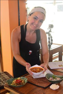 Ximena Olds - Chef Mena - Thai Food 2559-05-09 at 01.15.42