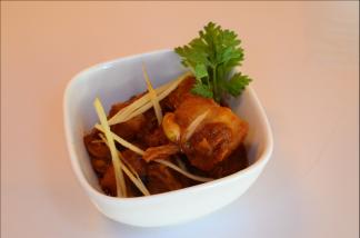 Ximena Olds - Chef Mena - Thai Food 2559-05-09 at 01.16.22