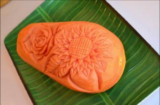 Ximena Olds - Chef Mena - Thai Food 2559-05-09 at 01.16.31