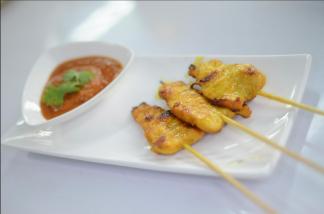 Ximena Olds - Chef Mena - Thai Food 2559-05-09 at 01.19.04