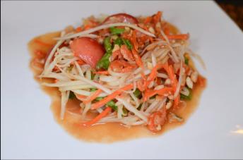 Ximena Olds - Chef Mena - Thai Food 2559-05-09 at 01.19.43